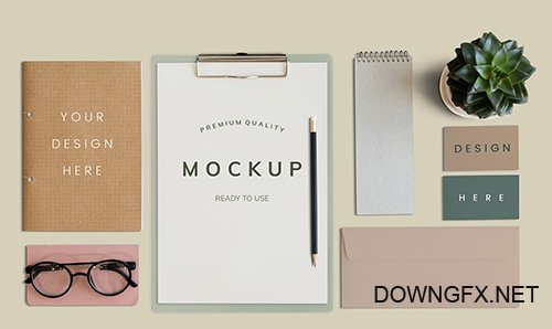 Paper and card PSD mockups flatlay